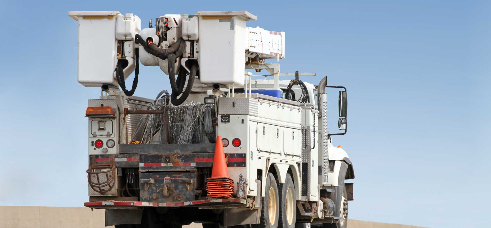 Work Truck on-board scales resolve safety, efficiency, and maintenance concerns.