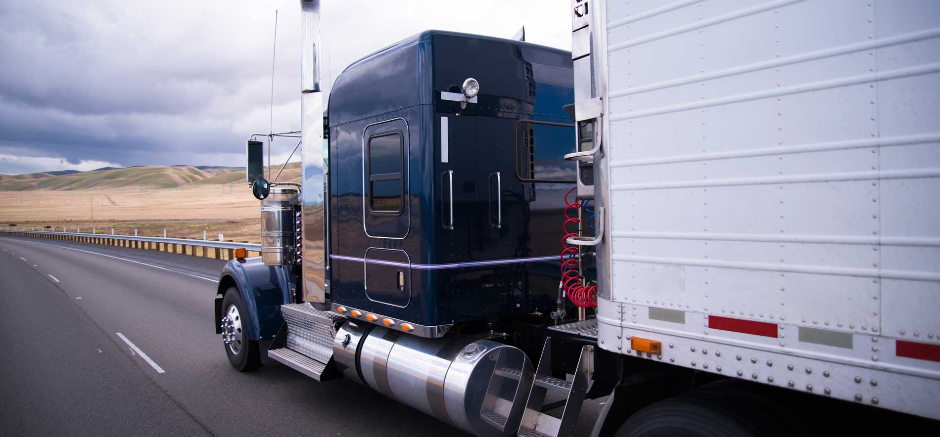 Tractor Trailer on-board scales help you avoid under or overloading